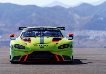 aston_martin_renew_partnership.jpg