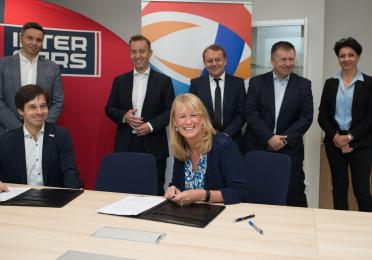 Partnership signing between Total andInter Cars S.A.