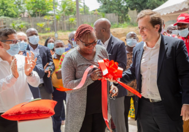 First Total Quartz Auto Service in Ivory Coast